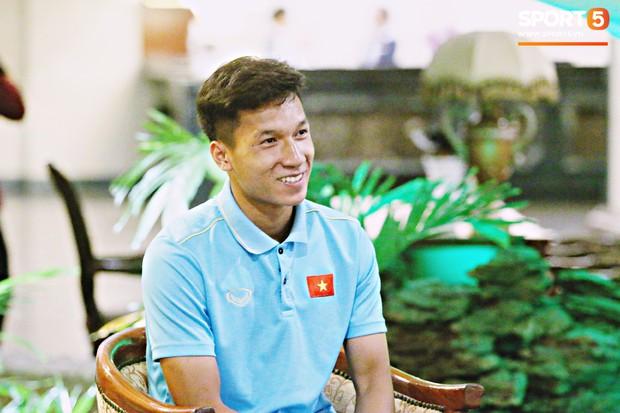 Nguyễn Văn Đạt: Mang áo số 4, chơi trung vệ và cũng ham ăn nhất đội như Bùi Tiến Dũng - Ảnh 2.