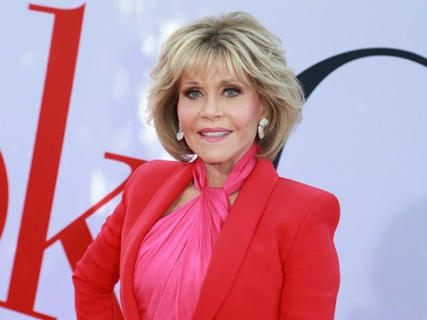 Jane Fonda - Nữ minh tinh huyền thoại ẵm 2 tượng vàng Oscar và cuộc đời lừng lẫy, tiêu diệt cả bệnh ung thư khiến thế giới phải kính nể - Ảnh 1.