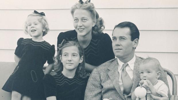 Jane Fonda - Nữ minh tinh huyền thoại ẵm 2 tượng vàng Oscar và cuộc đời lừng lẫy, tiêu diệt cả bệnh ung thư khiến thế giới phải kính nể - Ảnh 4.
