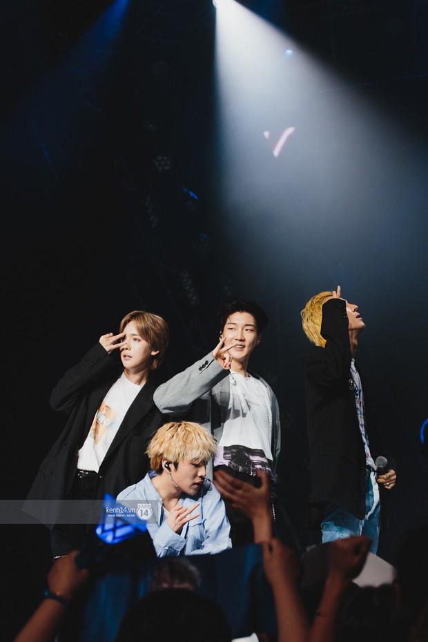 Chùm ảnh: T-ara, WINNER và quá nhiều sao Kpop đình đám cháy hết mình tại show diễn Hàn-Việt hot nhất năm 2018 - Ảnh 3.