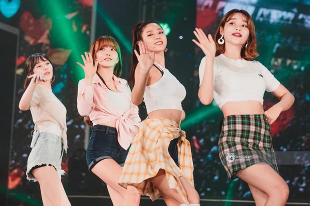 Chùm ảnh: T-ara, WINNER và quá nhiều sao Kpop đình đám cháy hết mình tại show diễn Hàn-Việt hot nhất năm 2018 - Ảnh 23.