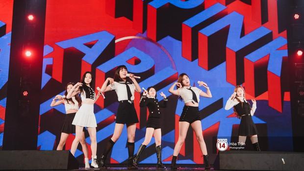 Chùm ảnh: T-ara, WINNER và quá nhiều sao Kpop đình đám cháy hết mình tại show diễn Hàn-Việt hot nhất năm 2018 - Ảnh 28.