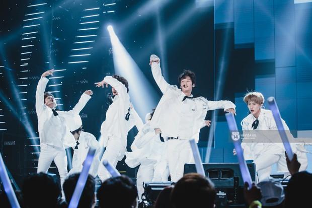 Chùm ảnh: T-ara, WINNER và quá nhiều sao Kpop đình đám cháy hết mình tại show diễn Hàn-Việt hot nhất năm 2018 - Ảnh 7.