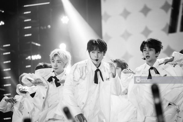 Chùm ảnh: T-ara, WINNER và quá nhiều sao Kpop đình đám cháy hết mình tại show diễn Hàn-Việt hot nhất năm 2018 - Ảnh 8.