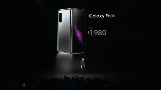 Samsung giới thiệu smartphone mở ra gập vào như cuốn sổ, 6 camera, 2 cục pin, giá 2 nghìn đô - Ảnh 7.