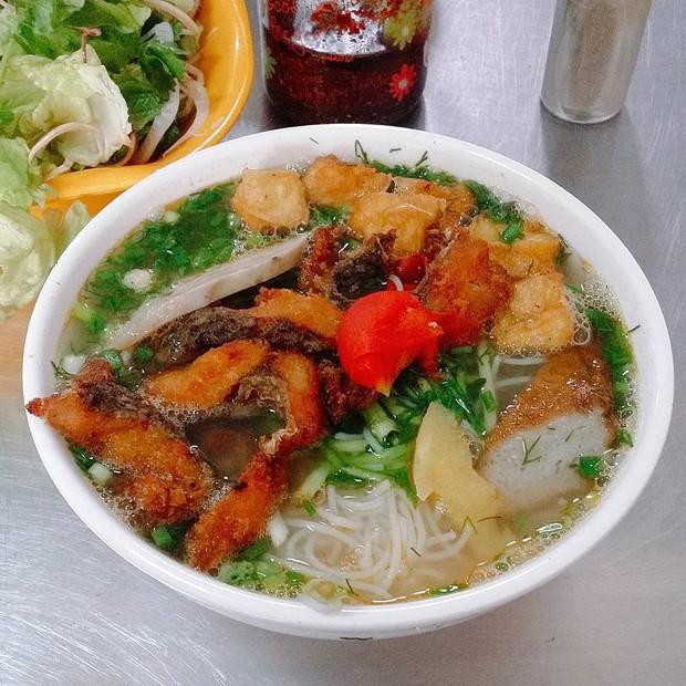 """Có để ý không: các hàng bún cá ngày càng """"bành trướng"""" ở Hà Nội và đây là những hàng được nhắc đến nhiều nhất - Ảnh 14."""