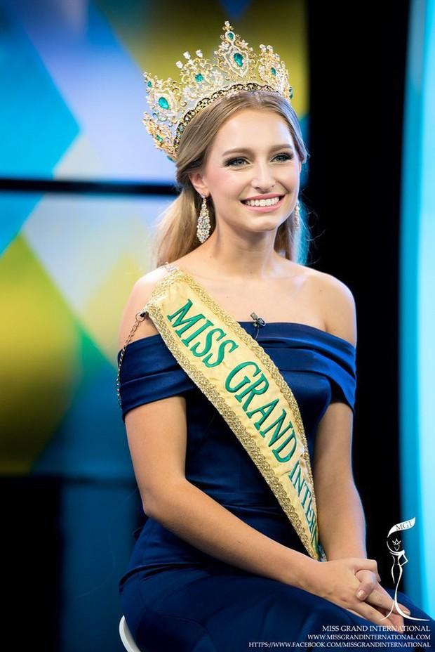 Hoa hậu Hoà bình Quốc tế 2015 chính thức bị tước ngôi vị vì cố ý tham gia cuộc thi Miss Universe Australia 2019 - Ảnh 2.