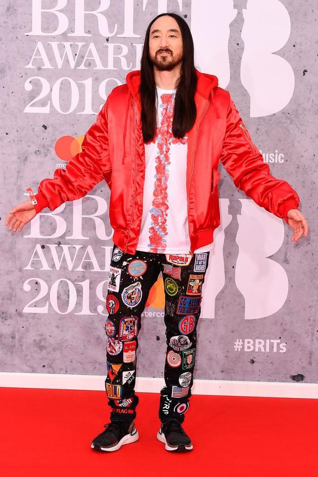 Thảm đỏ BRIT Awards 2019: Pink, Shawn Mendes dẫn đầu dàn sao, nhưng spotlight thuộc về loạt màn đọ sắc gây sốc - Ảnh 17.