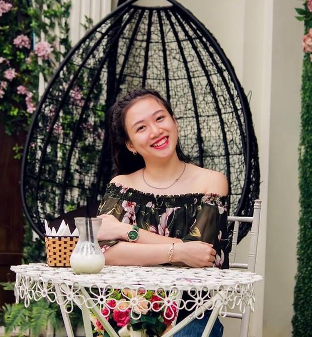 Những nữ sinh vừa xinh vừa giỏi từng gây sốt khi được tặng hoa cho Tổng thống, Thủ tướng các quốc gia đến thăm Việt Nam - Ảnh 7.