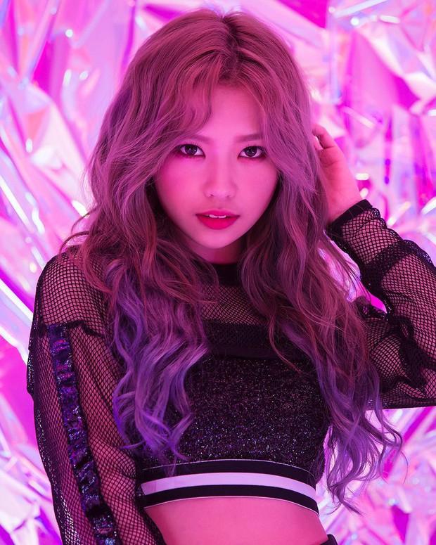 2 nhóm nhạc Kpop có thành viên người Việt: Sớm vướng scandal, nhan sắc liệu có đủ để đọ với nam thần, nữ thần Hàn? - Ảnh 9.