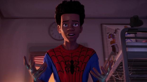 """Ngôi vương của hoạt hình Disney sẽ bị chàng Nhện da màu """"Into the Spider-Verse"""" hạ bệ tại Oscar năm nay? - Ảnh 1."""