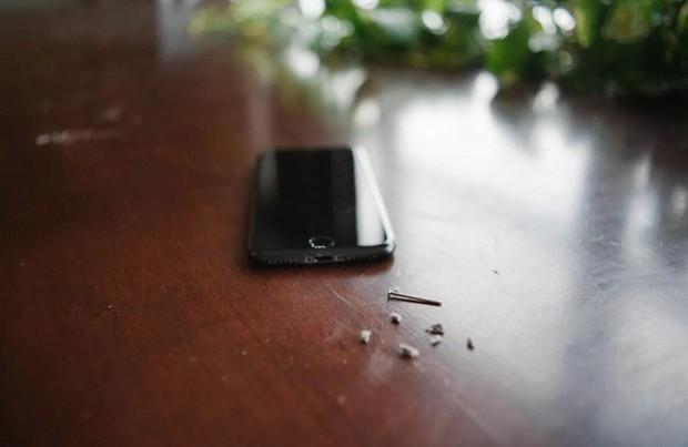 Cổng sạc Lightning trong iPhone của bạn có thể đang bị bẩn tới ghê người - Ảnh 3.
