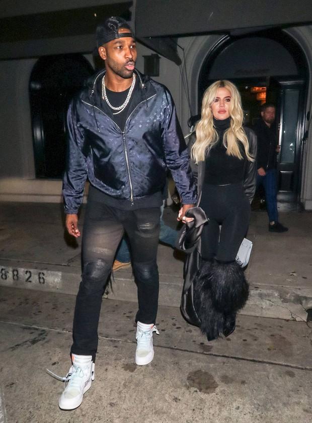 Chuyện như đùa: Chị Kylie Jenner thật ra đã đá bạn trai trước nhưng vẫn la làng vì anh tán tỉnh bạn thân em gái? - Ảnh 1.