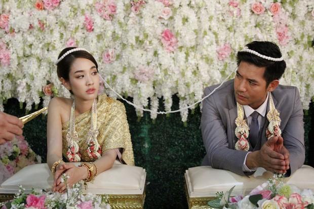 4 cặp oan gia nức tiếng màn ảnh Thái: Chí chóe mãi rồi cũng dính thính nhau - Ảnh 12.