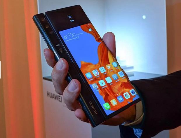 Huawei ra mắt smartphone màn hình gập 5G Mate X: Mỏng hơn cả iPad Pro, sạc nhanh gấp 6 lần iPhone XS Max, giá 2.300 EUR - Ảnh 4.