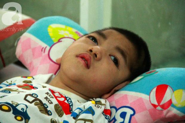 Ánh mắt cầu cứu của 232 đứa trẻ bị bố mẹ bỏ rơi, lớn lên từ vạt áo cà sa của người cha già nơi cửa Phật - Ảnh 13.
