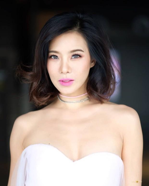 Những quý cô U40 cực phẩm của showbiz Thái: Đẹp, quyền lực, toàn yêu đại gia nhưng mãi vẫn chưa chịu chống lầy - Ảnh 16.