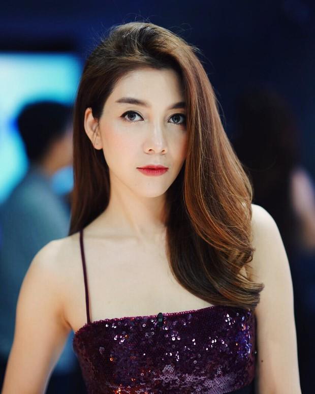 Những quý cô U40 cực phẩm của showbiz Thái: Đẹp, quyền lực, toàn yêu đại gia nhưng mãi vẫn chưa chịu chống lầy - Ảnh 19.