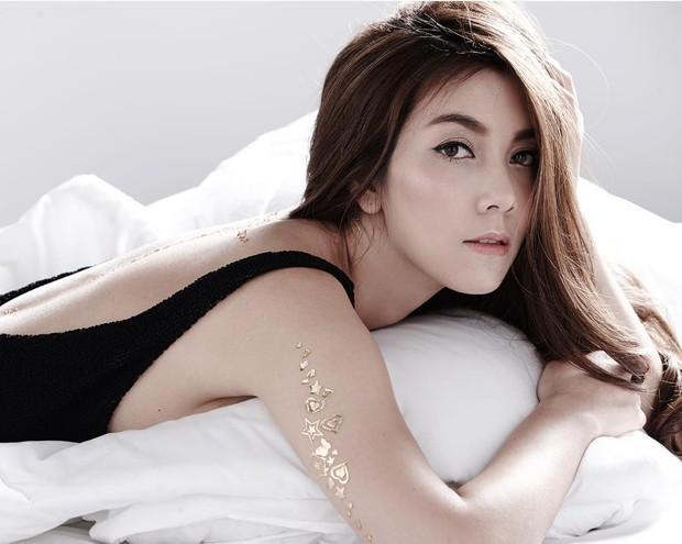 Những quý cô U40 cực phẩm của showbiz Thái: Đẹp, quyền lực, toàn yêu đại gia nhưng mãi vẫn chưa chịu chống lầy - Ảnh 22.