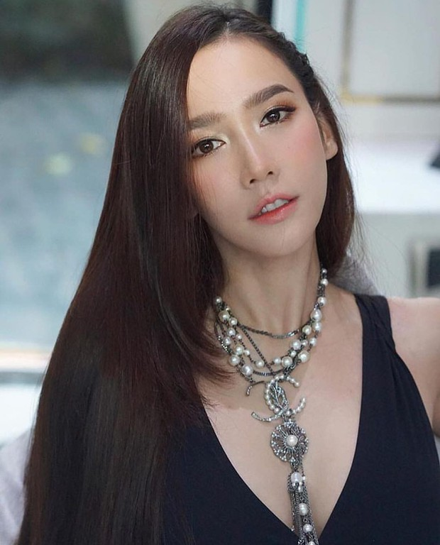 Những quý cô U40 cực phẩm của showbiz Thái: Đẹp, quyền lực, toàn yêu đại gia nhưng mãi vẫn chưa chịu chống lầy - Ảnh 32.