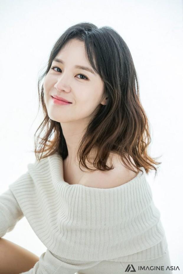 Dàn sao Touch Your Heart: Nữ chính bị quấy rối tình dục, khách mời lấn át cả Lee Dong Wook, sao nhí lột xác khó tin - Ảnh 14.