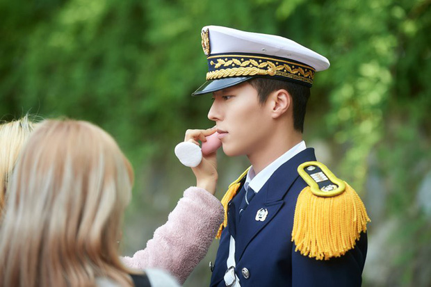 Dàn sao Touch Your Heart: Nữ chính bị quấy rối tình dục, khách mời lấn át cả Lee Dong Wook, sao nhí lột xác khó tin - Ảnh 23.
