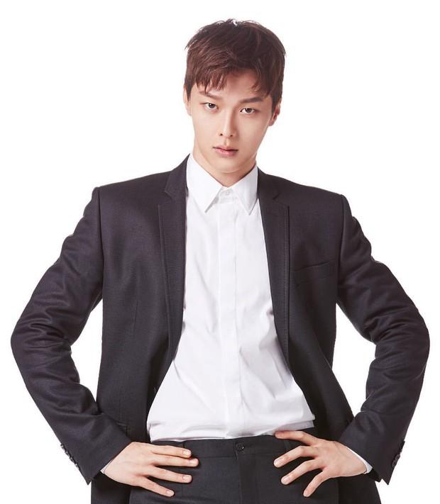 Dàn sao Touch Your Heart: Nữ chính bị quấy rối tình dục, khách mời lấn át cả Lee Dong Wook, sao nhí lột xác khó tin - Ảnh 22.