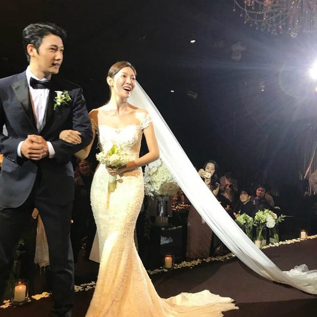 Dàn sao Touch Your Heart: Nữ chính bị quấy rối tình dục, khách mời lấn át cả Lee Dong Wook, sao nhí lột xác khó tin - Ảnh 45.