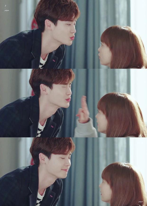 Cả thế giới đổ dồn về Oscar, người Hàn chỉ chăm chăm Lee Jong Suk hôn Lee Na Young ở Phụ Lục Tình Yêu - Ảnh 1.