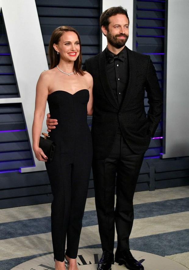 Tiệc hậu Oscar 2019: Trái với thảm đỏ nhạt nhẽo, loạt sao thi nhau thả rông, hở bạo, có thiết kế mặc mà như không - Ảnh 20.