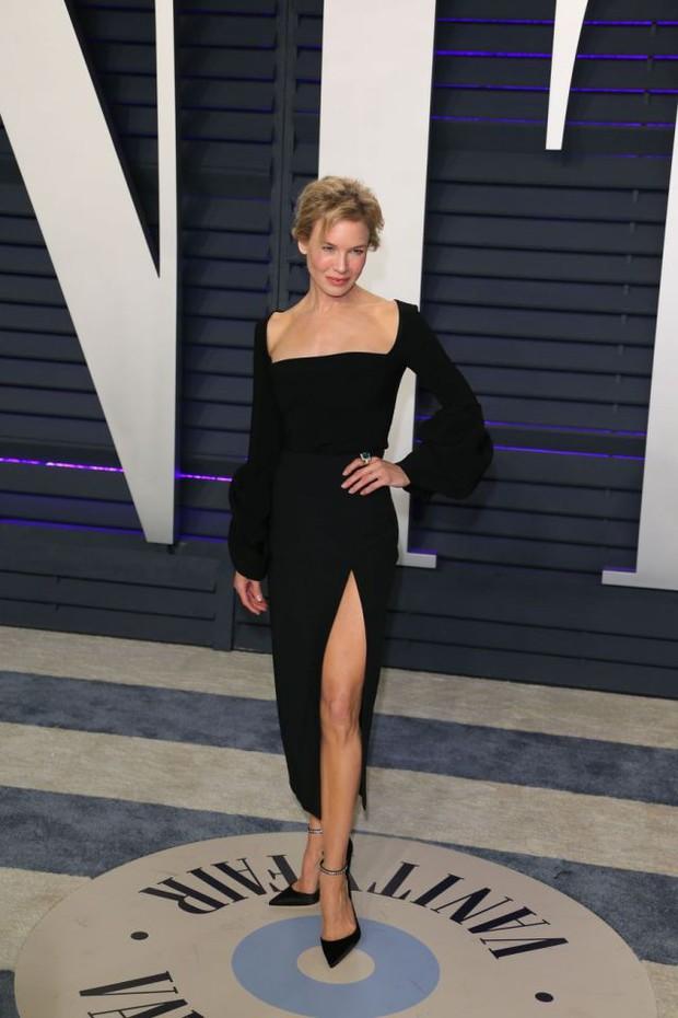 Tiệc hậu Oscar 2019: Trái với thảm đỏ nhạt nhẽo, loạt sao thi nhau thả rông, hở bạo, có thiết kế mặc mà như không - Ảnh 22.
