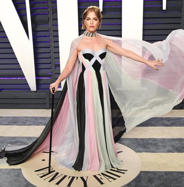 Tiệc hậu Oscar 2019: Trái với thảm đỏ nhạt nhẽo, loạt sao thi nhau thả rông, hở bạo, có thiết kế mặc mà như không - Ảnh 19.
