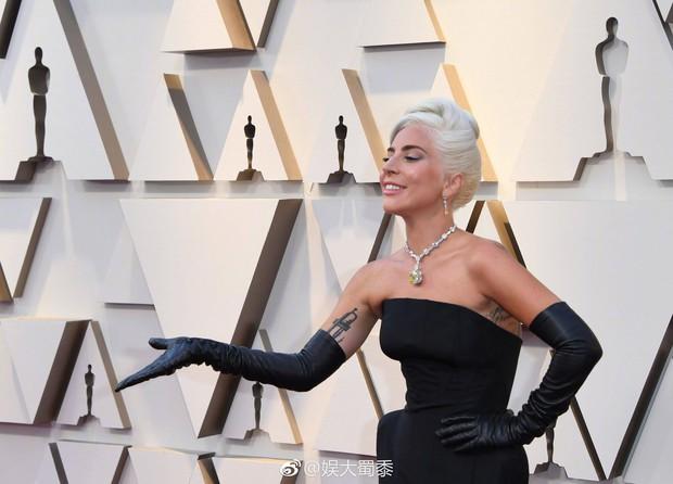 Netizen Trung trầm trồ với chiếc vòng cổ của Audrey Hepburn được Chị Dậu Lady Gaga mang dự Oscar 2019 - Ảnh 5.