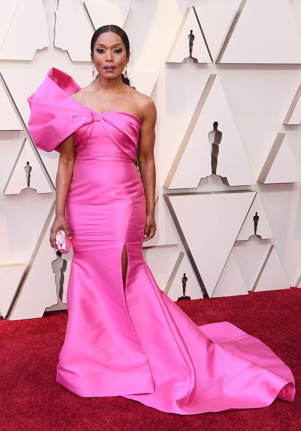 Thảm đỏ Oscar 2019: Lady Gaga bị tình tin đồn bỏ rơi, dàn Con nhà siêu giàu châu Á đọ sắc siêu anh hùng Marvel, DC - Ảnh 30.