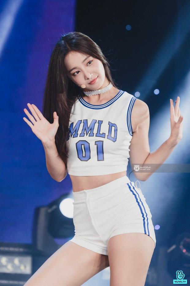 Chùm ảnh: T-ara, WINNER và quá nhiều sao Kpop đình đám cháy hết mình tại show diễn Hàn-Việt hot nhất năm 2018 - Ảnh 14.