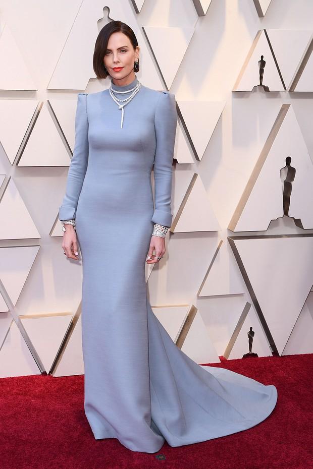 Thảm đỏ Oscar 2019: Lady Gaga bị tình tin đồn bỏ rơi, dàn Con nhà siêu giàu châu Á đọ sắc siêu anh hùng Marvel, DC - Ảnh 25.