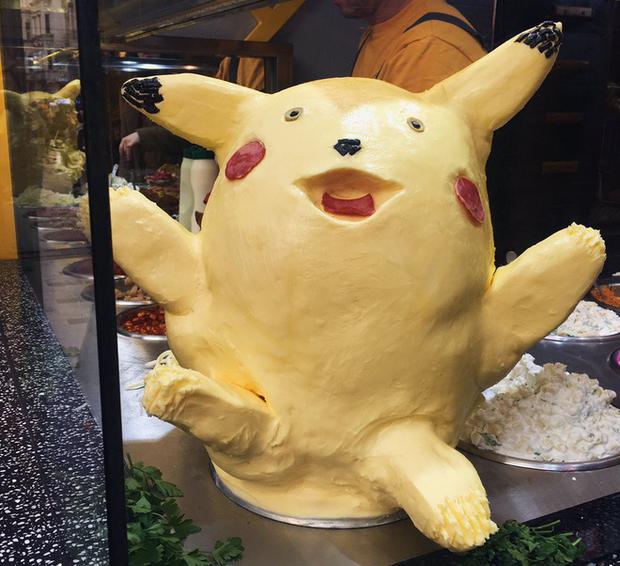 Pikachu làm từ bơ khiến thực khách không thể rời mắt vì vừa dị vừa đáng yêu - Ảnh 2.