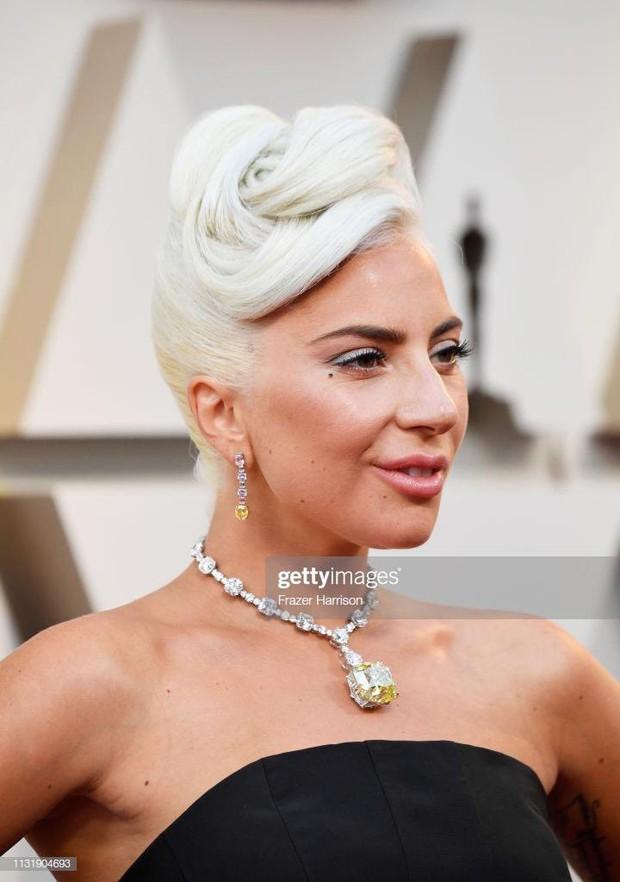Phát sốt vì vòng kim cương siêu to của Lady Gaga trên thảm đỏ Oscar: Tới cả nghìn tỉ, Audrey Hepburn cũng từng đeo - Ảnh 3.