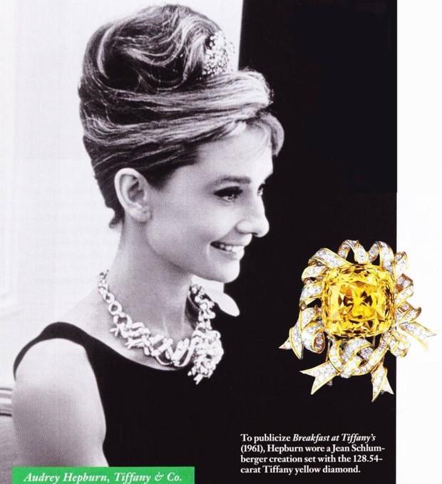 Phát sốt vì vòng kim cương siêu to của Lady Gaga trên thảm đỏ Oscar: Tới cả nghìn tỉ, Audrey Hepburn cũng từng đeo - Ảnh 5.