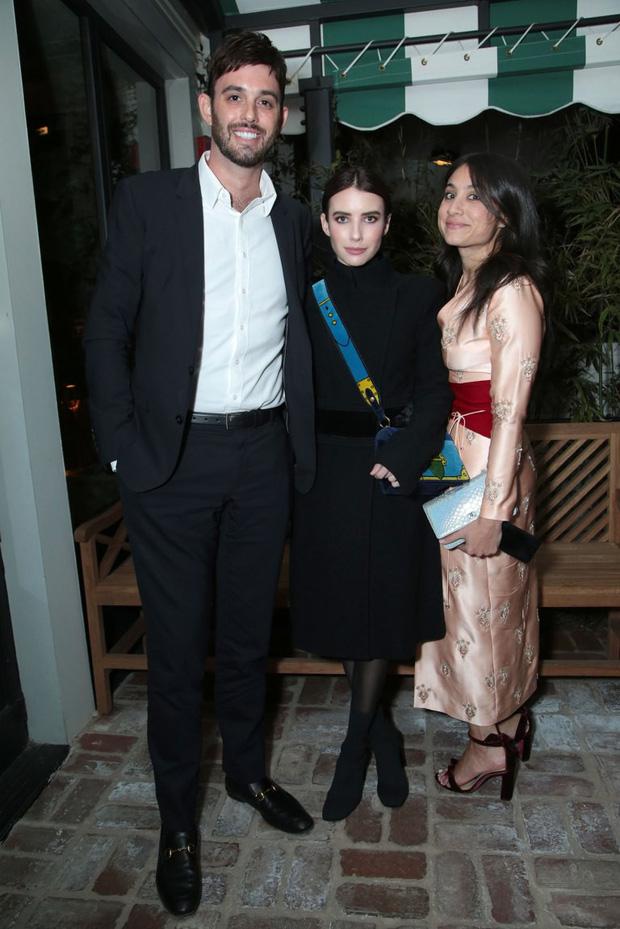 Tiền tiệc Oscar: Miley Cyrus tình tứ bên Kristen Stewart dù đến với chồng, Katy Perry khoe nhẫn khủng bên dàn siêu sao - Ảnh 17.