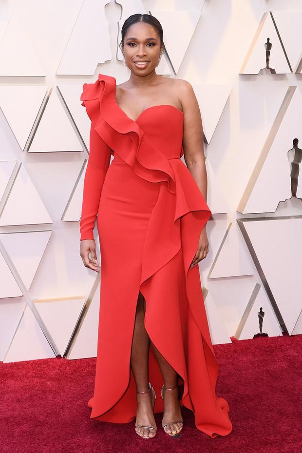 Thảm đỏ Oscar 2019: Lady Gaga bị tình tin đồn bỏ rơi, dàn Con nhà siêu giàu châu Á đọ sắc siêu anh hùng Marvel, DC - Ảnh 38.