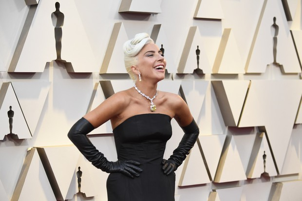 Những tinh hoa nổi nhất trên thảm đỏ Oscar 2019: Xem ra có công thức chung để lọt Top Best Dressed! - Ảnh 2.
