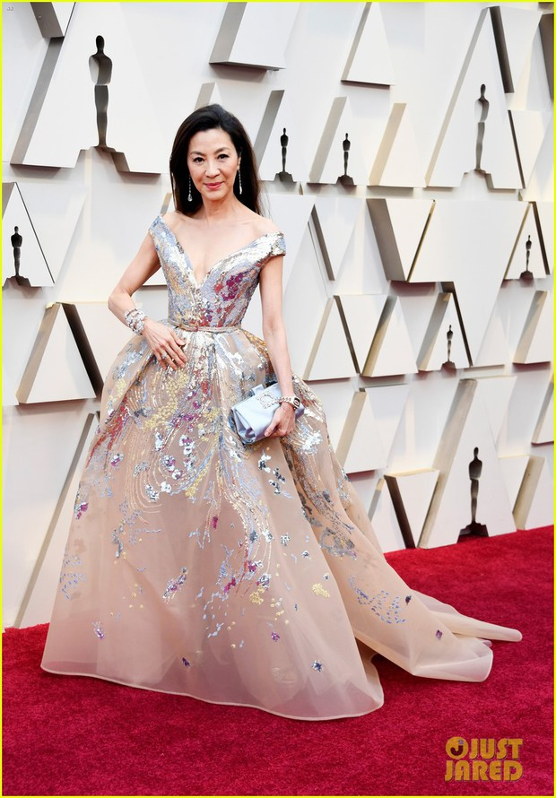 Thảm đỏ Oscar 2019: Lady Gaga bị tình tin đồn bỏ rơi, dàn Con nhà siêu giàu châu Á đọ sắc siêu anh hùng Marvel, DC - Ảnh 7.
