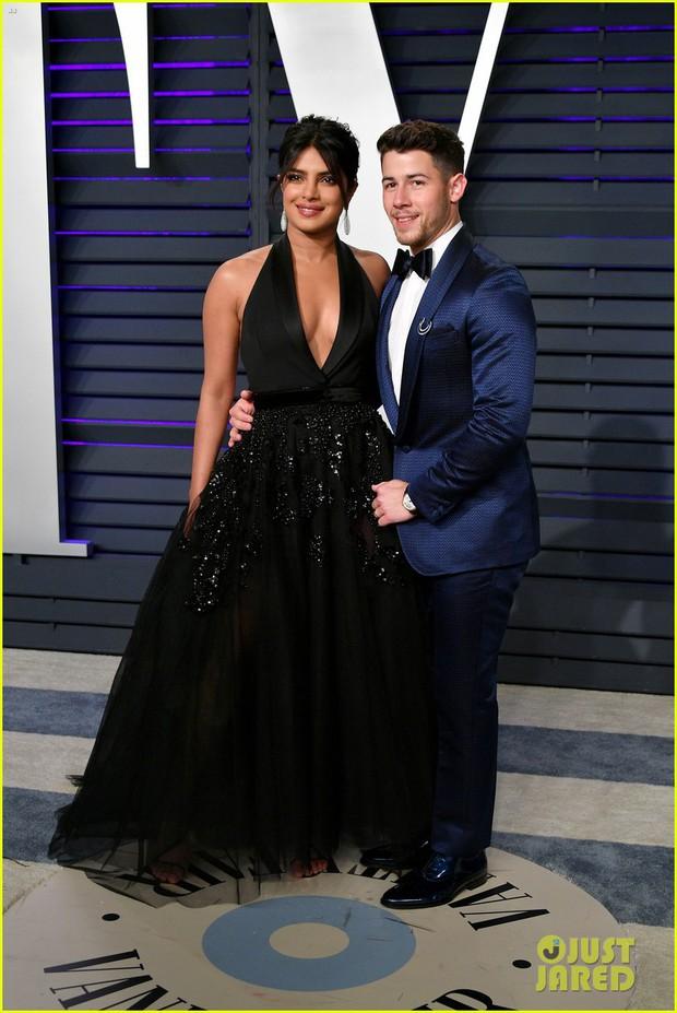 Nín thở vì Kendall Jenner mặc đầm như không mặc tại tiệc hậu Oscar, phản ứng của ông bố chuyển giới còn đáng chú ý hơn - Ảnh 10.