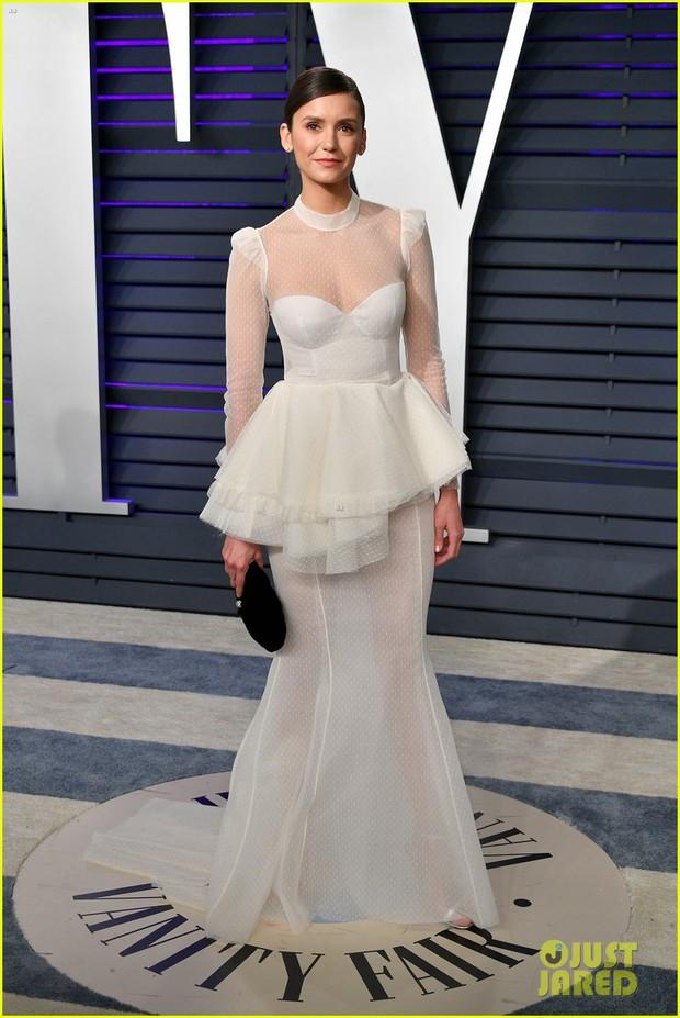 Nín thở vì Kendall Jenner mặc đầm như không mặc tại tiệc hậu Oscar, phản ứng của ông bố chuyển giới còn đáng chú ý hơn - Ảnh 12.