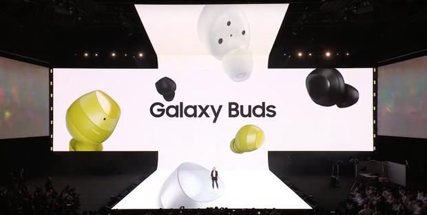 Tai nghe không dây giá chỉ 130 USD Samsung Galaxy Buds so đọ ra sao với Apple AirPods? - Ảnh 1.