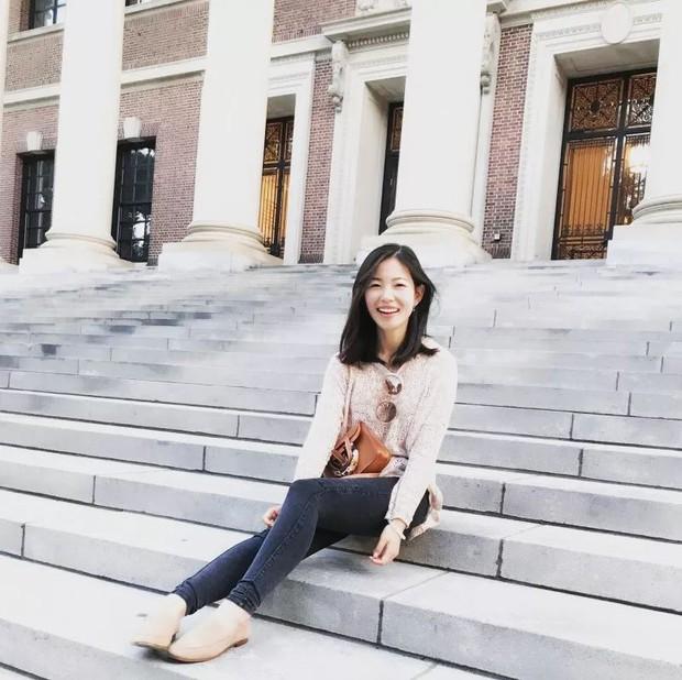 Chuyên trốn học, có thai năm 20 tuổi, cô gái xinh đẹp này vẫn có thành tích khủng và là thạc sĩ trẻ tuổi nhất Harvard - Ảnh 4.