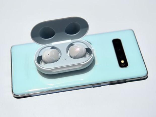 Tai nghe không dây giá chỉ 130 USD Samsung Galaxy Buds so đọ ra sao với Apple AirPods? - Ảnh 5.