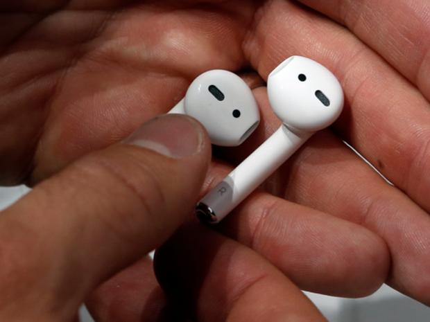 Tai nghe không dây giá chỉ 130 USD Samsung Galaxy Buds so đọ ra sao với Apple AirPods? - Ảnh 6.
