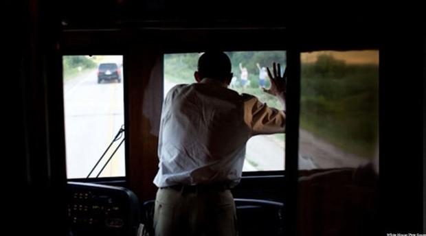"""Khám phá siêu xe bus chống đạn """"Ground Force One"""" dành cho Tổng thống Mỹ - Ảnh 4."""